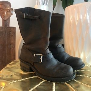Frye engineer 12R brown size 5.5
